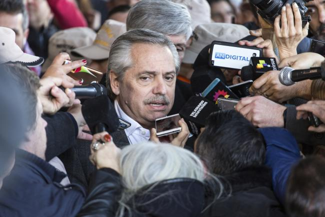 Argentina Default Fear Looms as Traders Dump Assets By Bloomberg