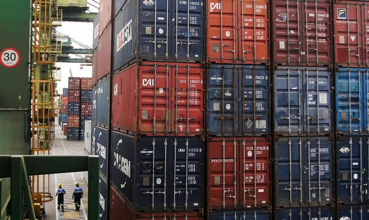 © Reuters.  Get Ready for a September of Trade Skirmishes
