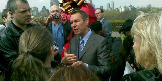 Jeff Koons Departs Gagosian, Zwirner for Pace